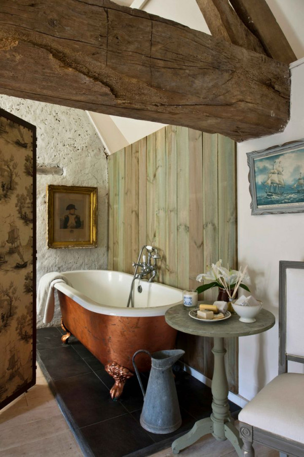 05-11-19-annie-sloan-bathroom