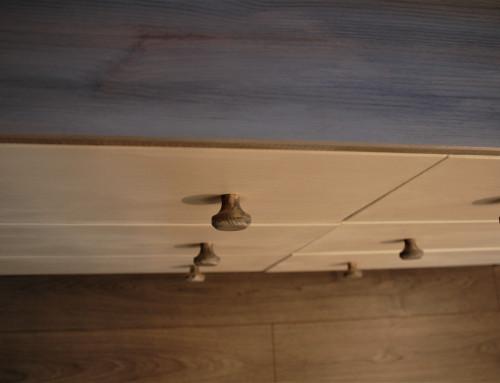 Cum să vopsești pe lemn natur cu Annie Sloan Chalk Paint TM?