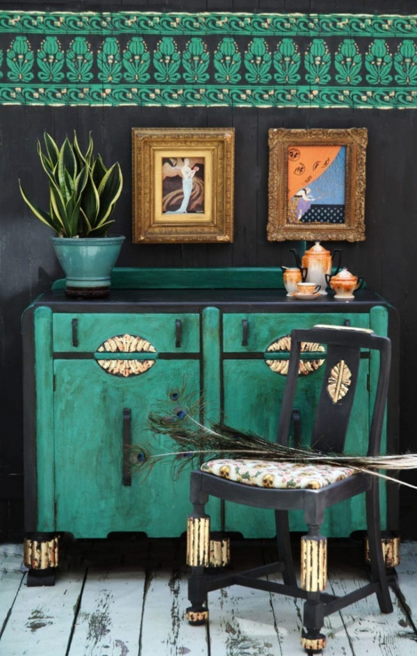 Art-Deco-Cabinet-and-Chair-by-Annie-Sloan-Painter-in-Residene-Janice-Issitt-with-Chalk-Paint-and-Brass-Leaf-2-2000-scaled-1
